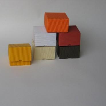Kinkekarp 9 x 9 x 6 cm - ERINEVAD TOONID