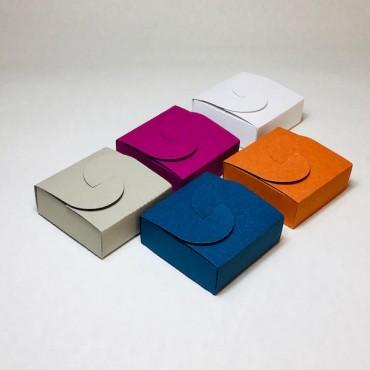 Kinkekarp 9 x 9 x 3,5 cm - ERINEVAD TOONID