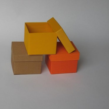 Kinkekarp 11 x 11 x 9 cm - ERINEVAD TOONID