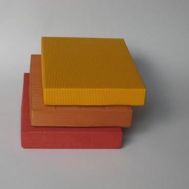 Kinkekarp 22 x 31 x 5 cm - ERINEVAD TOONID