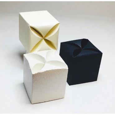 Box FLOWER 6 x 6 x 7 cm - DIFFERENT COLORS