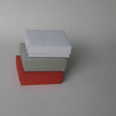 Gift Box 15 x 15 x 4,5 cm - DIFFERENT COLORS