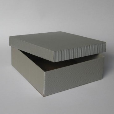 Gift Box 27 x 27 x 10 cm - DIFFERENT COLORS